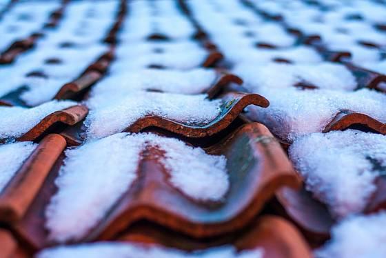 Střecha musí být na zátěž sněhu připravena