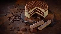 Tiramisu v podobě dortu.