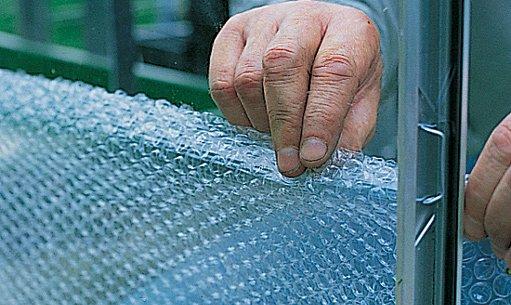 obalení stěn bublinkovou folií