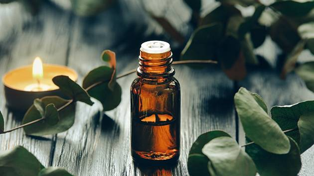 eukalyptový esenciální olej