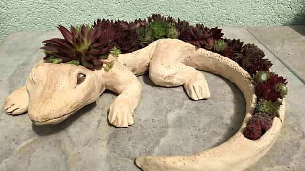 Ještěrka z keramické dílny Šárky Tršové