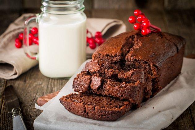 Čokoládový chléb můžete mít i bez polevy.
