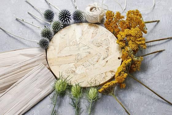 Materiál pro podzimní dekoraci.