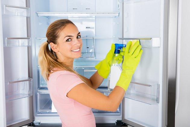 Pomůže při úklidu lednice