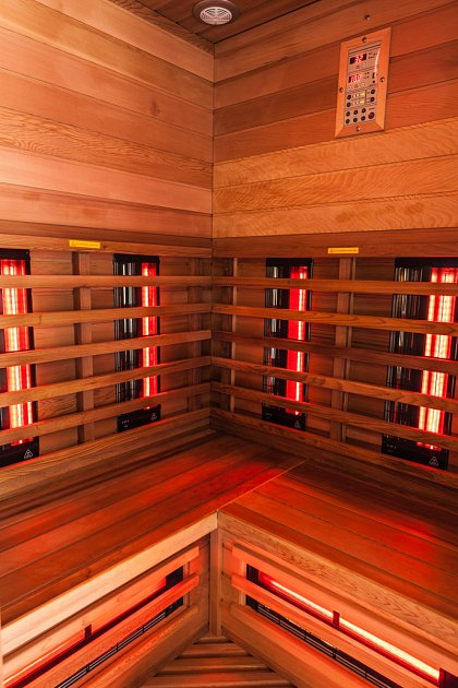 infrazářiče uvnitř kabiny
