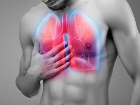 Symptomy zápalu plic bychom neměli podceňovat.