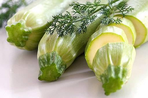 cukety se hodí do zeleninových salátů