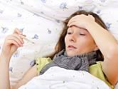 Ze začátku bychom se neměli pokoušet horečku snižovat, je přirozenou reakcí organismu.