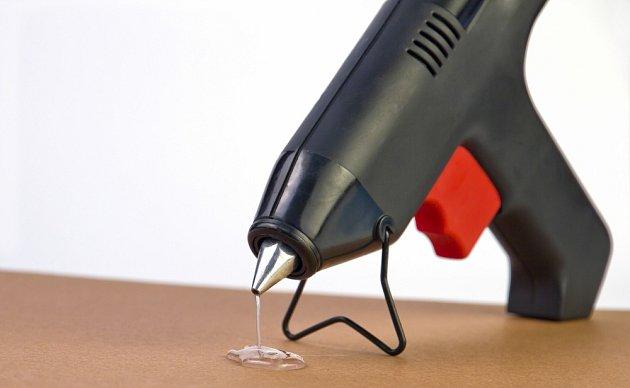 Při odložení je vhodné používat stojánek.
