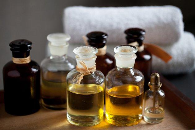 Různé oleje a vůně