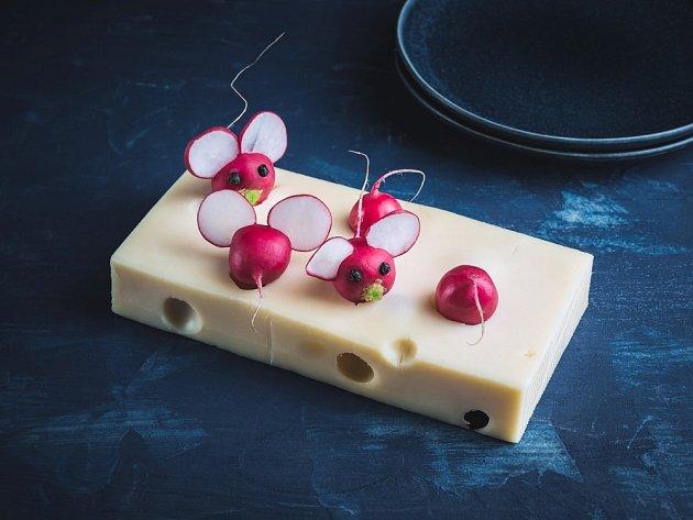 Z ředkviček můžeme vyrobit myšku.