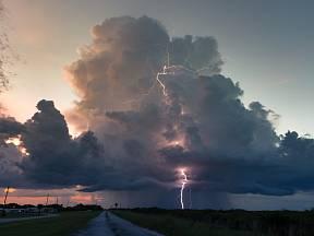 Bouřka přichází rychle