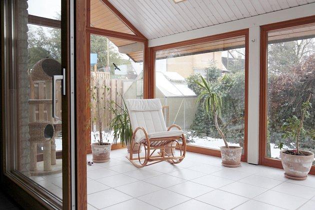 Zimní zahrada vybízí k odpočinku s knihou nebo s domácím mazlíčkem.