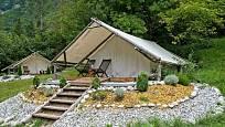Glamping = luxusní ubytování uprostřed přírody.
