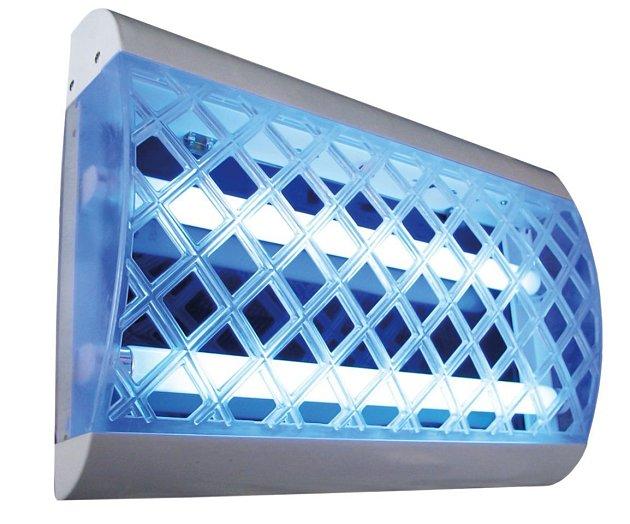 Lapač Itrap50E. Dobrá zářivka je podmínkou úspěchu.