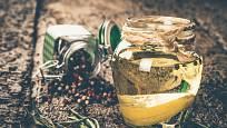 Do pepřového oleje se dají použít všechny druhy.