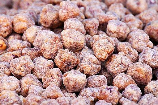 lískové oříšky v cukru