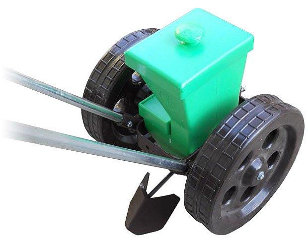 lžičkový secí stroj K1