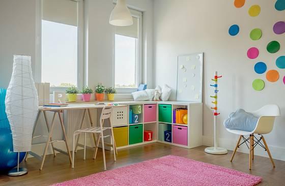 V dětském pokoji mají převládat veselé barvy.
