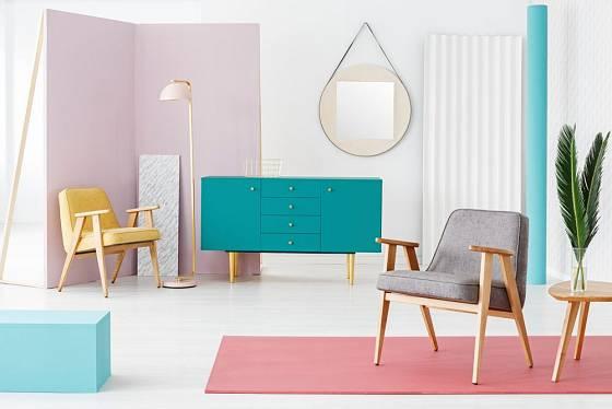 Interiér ve stylu retro může být jednoduchý, vzdušný a originální