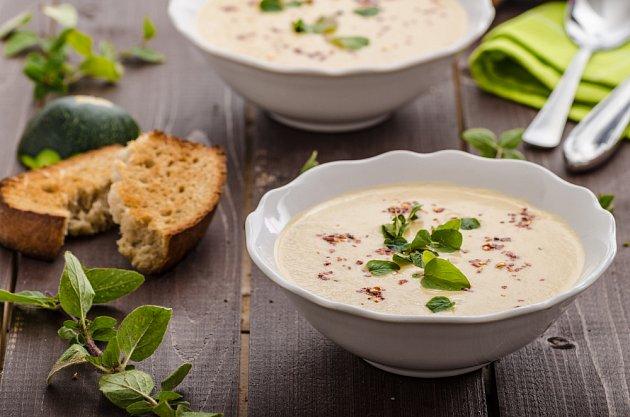 Polévka vás překvapí výraznou chutí.