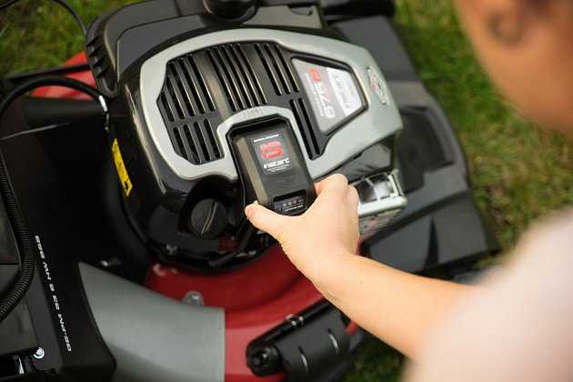INSTART® je nejnovější technologie s baterií Lithium-Ion přímo integrovanou do motoru.