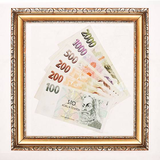 Peníze naaranžujte do rámečku
