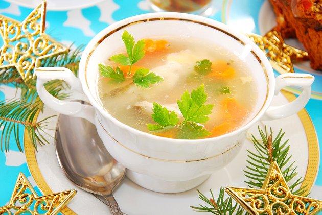 Rybí polévka, první chod štědrovečerní večeře