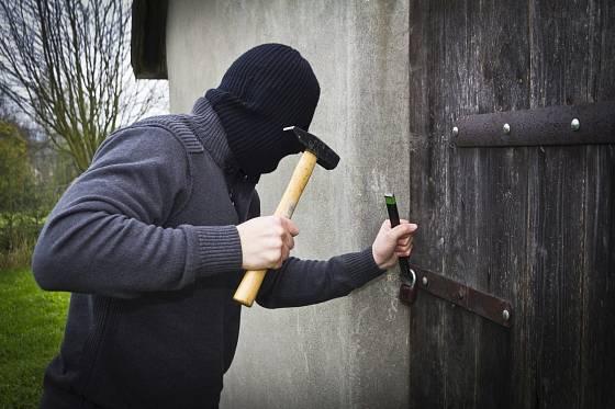 Chaty jsou pro zloděje lákavé