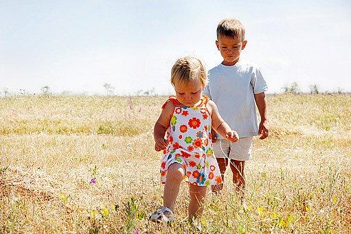 přiměřená pohybová aktivita dětským chodidlům prospívá