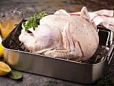 Kuře se skvěle peče i na mřížce.