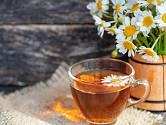 Na čaj budete potřebovat jednu vrchovatou čajovou lžičku bylinky.
