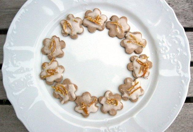 Korsické kaštanové sušenky s mandarinkovou polevou