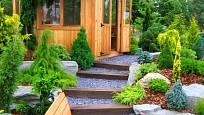 Zahradní přístřešek na vhodném místě umožní dokonalý výhled na celou zahradu.