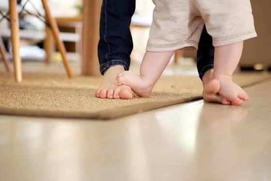 Pro začínajícího chodce je ideální co největší volnost