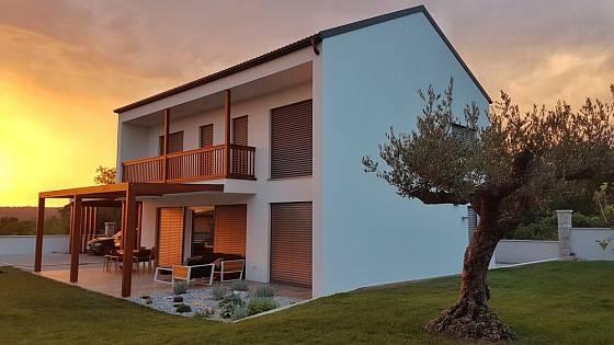Montované dřevostavby jsou jednou z variant levnějších montovaných domků.