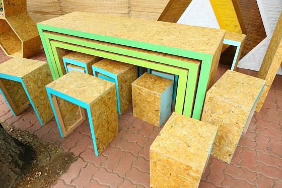 Zbyly vám ze stavby OSB desky? Využijte je na výrobu nábytku.