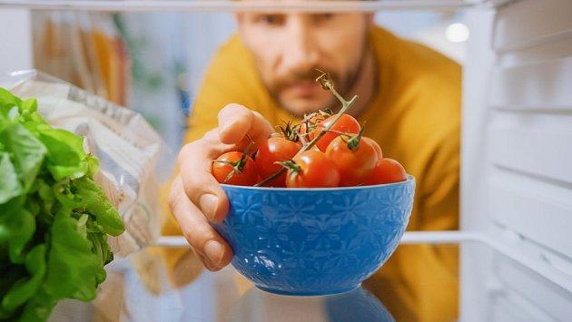 Rajčata, která byla uložena v lednici týden byla méně chutnější.