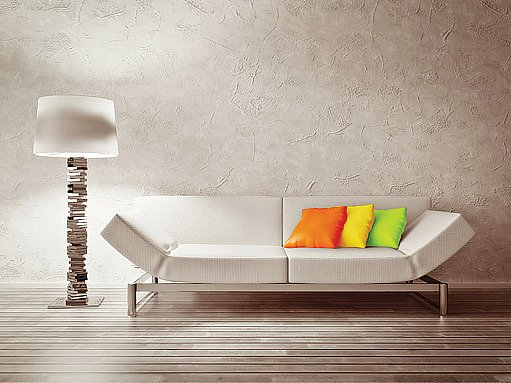 strukturální barva láme světelné paprsky jinak než stěna hladká, navíc pozitivně ovlivňuje akustiku
