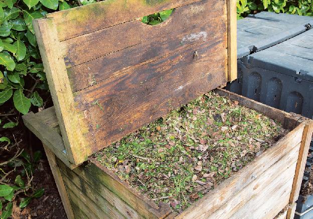 Nadrcený a promísený zahradní odpad