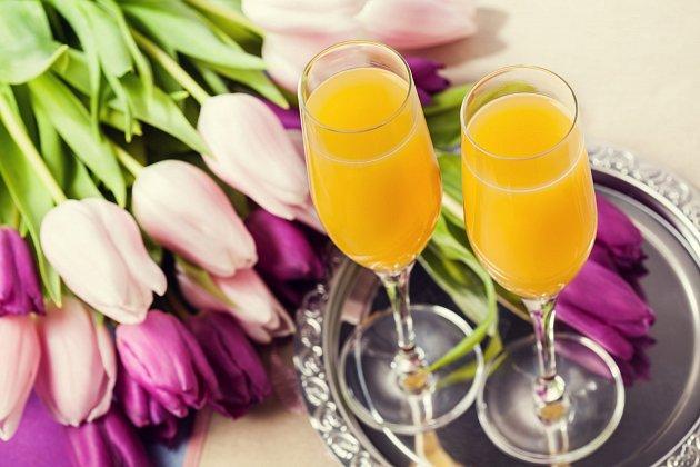 Popíjet alkohol už k snídani? V podobě mimosy si to ani neuvědomíte.