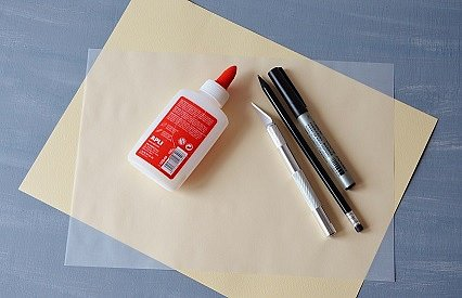 potřeby pro výrobu papírového svícnu