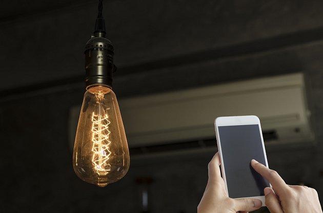 Chytré světlo vám pomůže uspořit