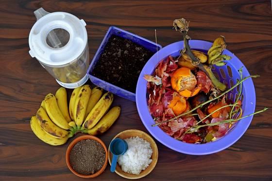 Ze zbytků z kuchyně můžeme připravit vynikající hnojivo.