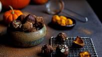 Kousky kandované dýně můžete obalit v čokoládové polevě a přidat oříšky nebo mandle