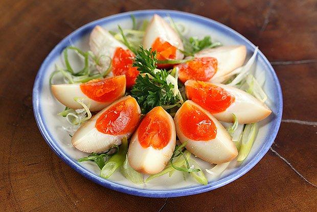 Česneková marinovaná vejce