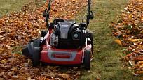 Sekačku využívá pro úklid listí mnoho majitelů.