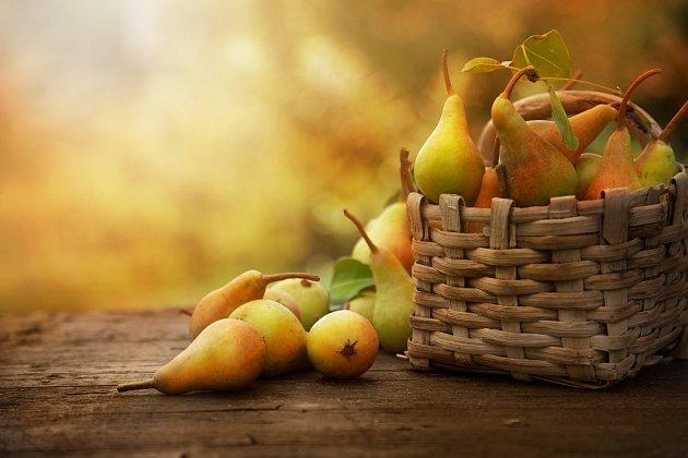 hrušky, lahodné domácí ovoce