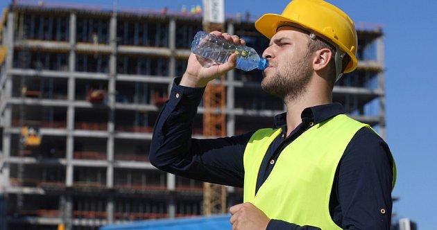 Zaměstnanci mají nárok na ochranné nápoje