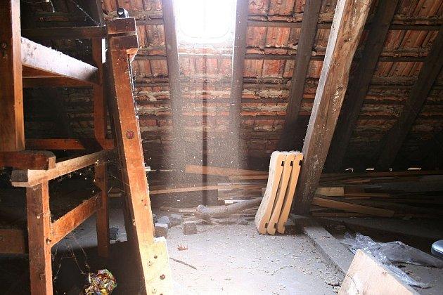 Stará půda před rekonstrukcí.